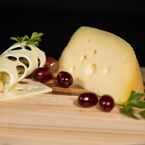 Liquid content for cheese-makers